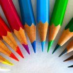 10 attività semplici da fare in casa insieme ai bambini